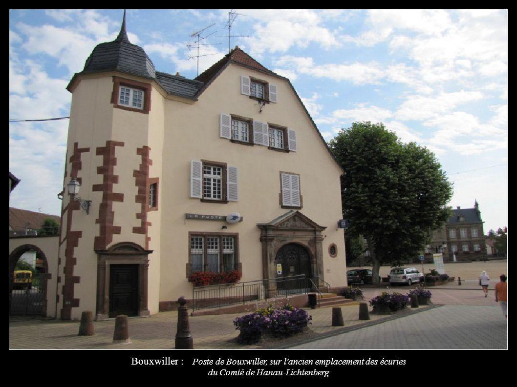 Bouxwiller : Poste de Bouxwiller, sur l'ancien emplacement des écuries du Comté de Hanau-Lichtenberg
