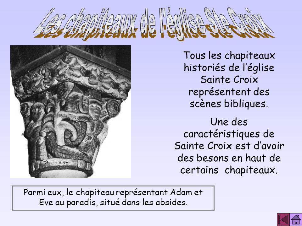 Elle repose sur une base octogonale issue d un carré dont les angles sont coupés par les quatre trompes décorées de coquilles Saint- Jacques peintes e