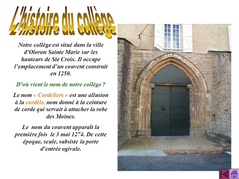 Trois quartiers font la ville dOloron : Sainte Croix, Sainte Marie et Notre Dame. Oloron Sainte Marie se situe dans les Pyrénées Atlantiques au pied d