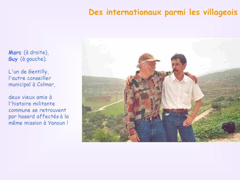 Des internationaux parmi les villageois Marc (à droite), Guy (à gauche).