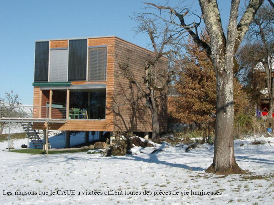 …avec, coté Sud, une grande façade vitrée ouverte sur le paysage.