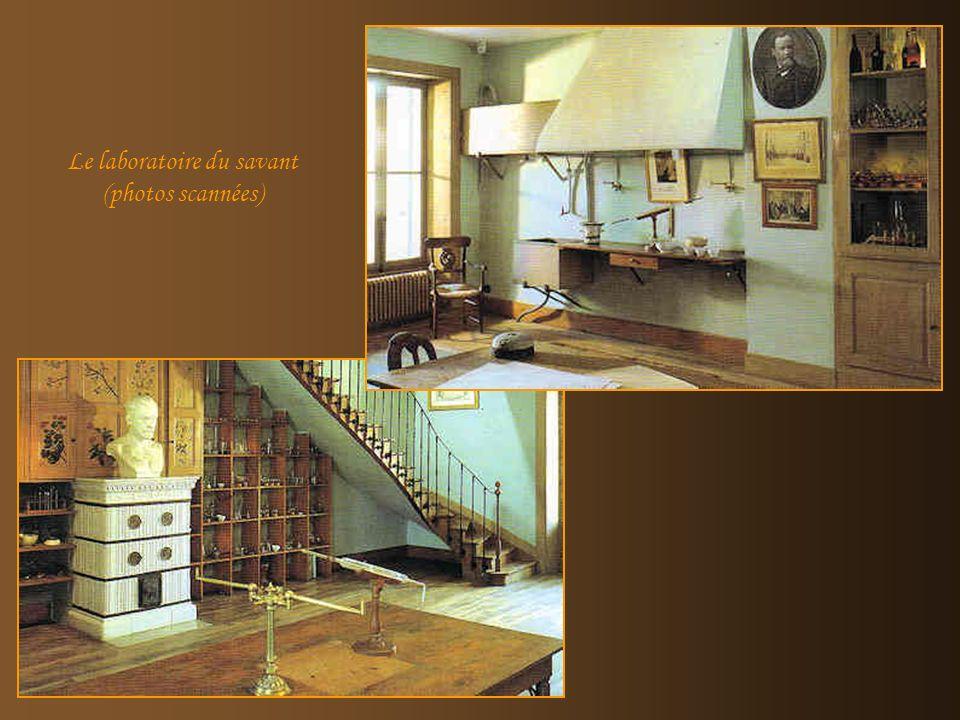 La chambre de Louis Pasteur (Photo scannée) Cette maison est une illustration parfaite dun intérieur bourgeois de la fin du XIXe siècle.