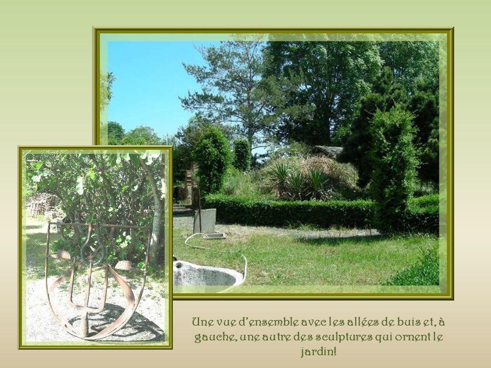 A gauche, le four restauré qui a joué un grand rôle dans le village puisque cétait le « four banal », utilisé par tous.