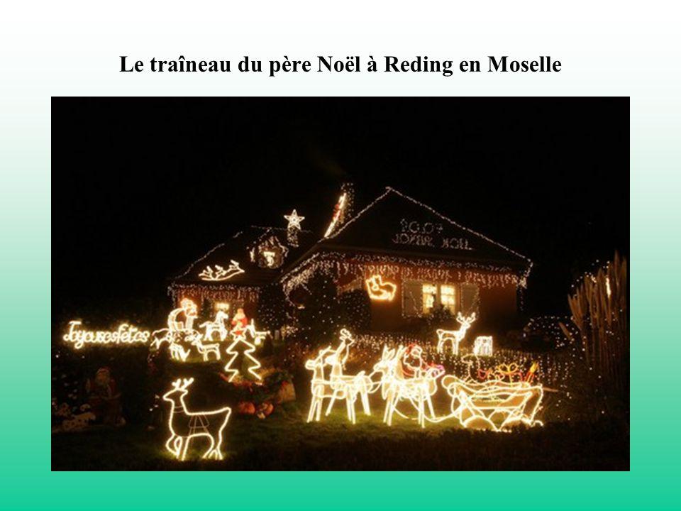 Le traîneau du père Noël à Reding en Moselle