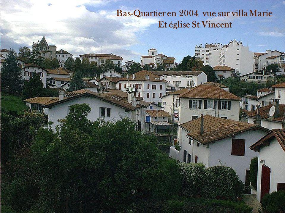 Bas-Quartier en 2004 vue sur villa Marie Et église St Vincent