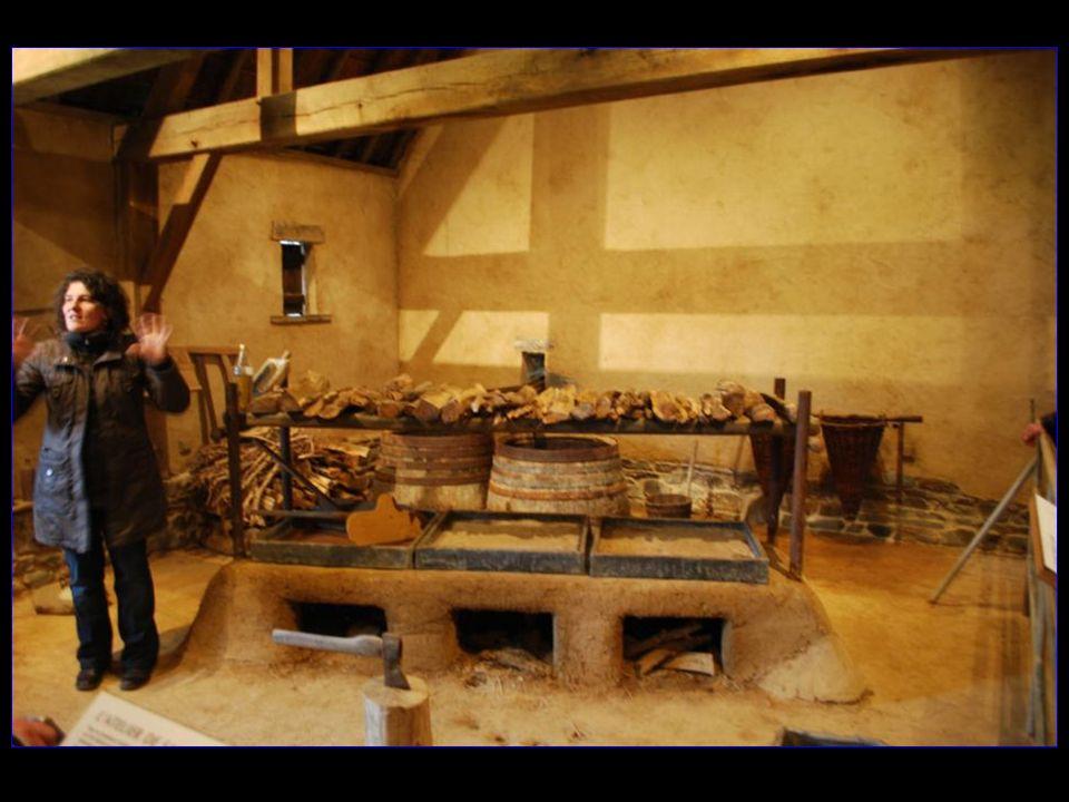 Un atelier de saunier reconstitué permet de comprendre la technique du sel