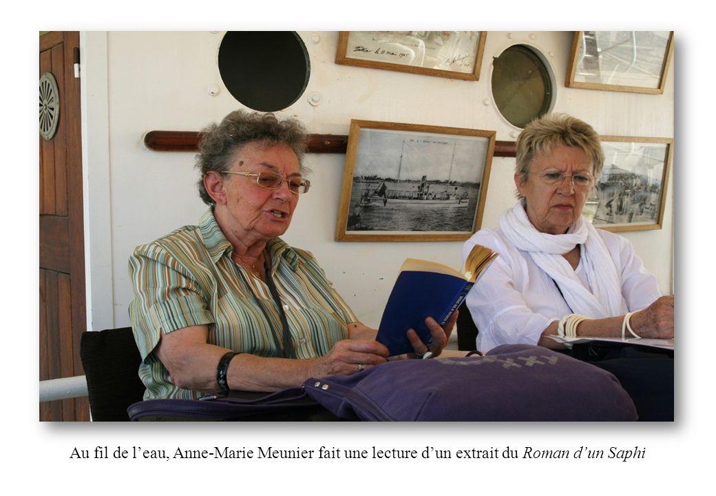 Au fil de leau, Anne-Marie Meunier fait une lecture dun extrait du Roman dun Saphi
