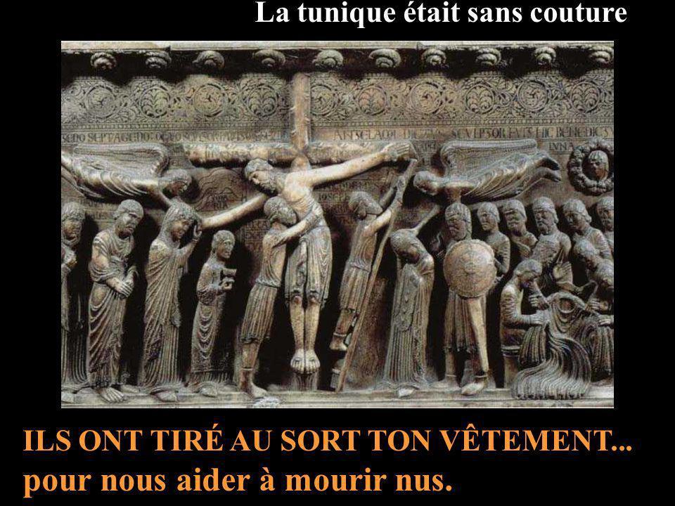 Quand ils leurent crucifié... Au pied de Ta Croix, chaque Vendredi Saint nous venons te présenter TOUS les Humains que Tu as rachetés... Il y a de la