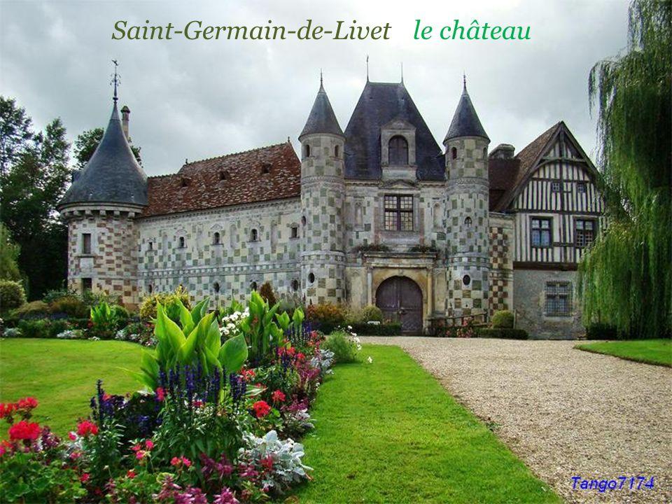 Saint-Gabriel-Brécy ancien prieuré transformé en. école dHorticulture
