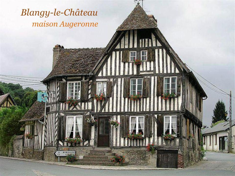 Blangy-le-Château. maison Augeronne