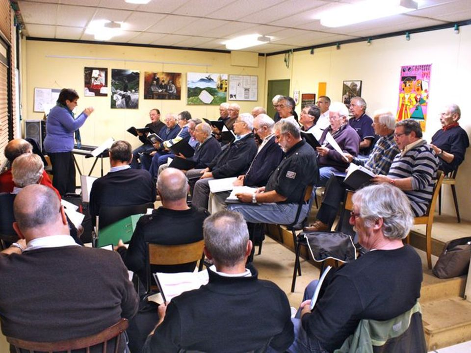 ETXEA/LA MAISON La société basque est strictement organisée autour de la maison