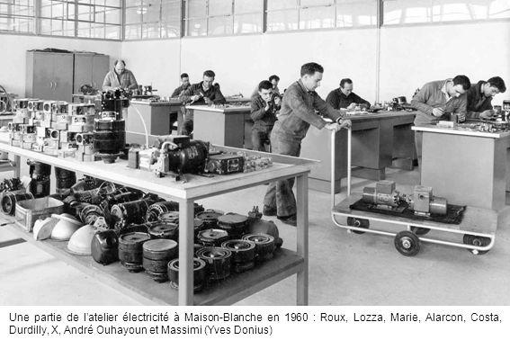 Une partie de latelier électricité à Maison-Blanche en 1960 : Roux, Lozza, Marie, Alarcon, Costa, Durdilly, X, André Ouhayoun et Massimi (Yves Donius)