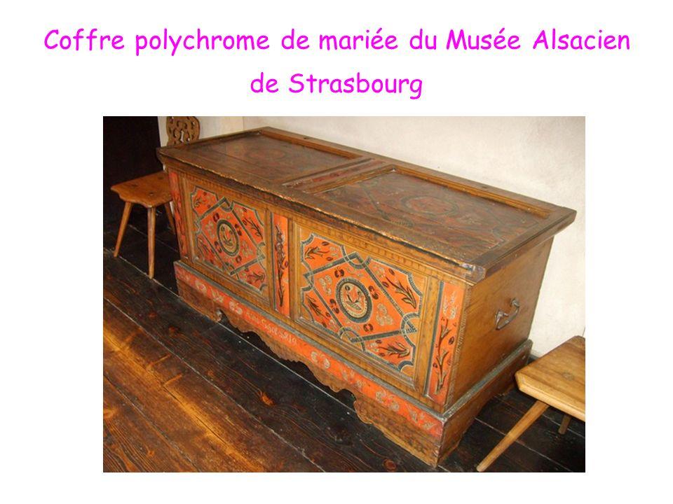 Coffre polychrome de mariée du Musée Alsacien de Strasbourg