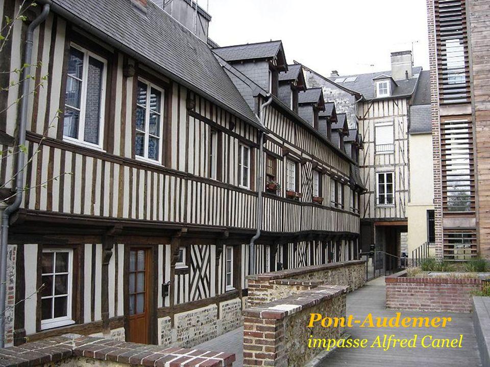 Rue Paul Clémencin Pont-Audemer Rue de lEpée