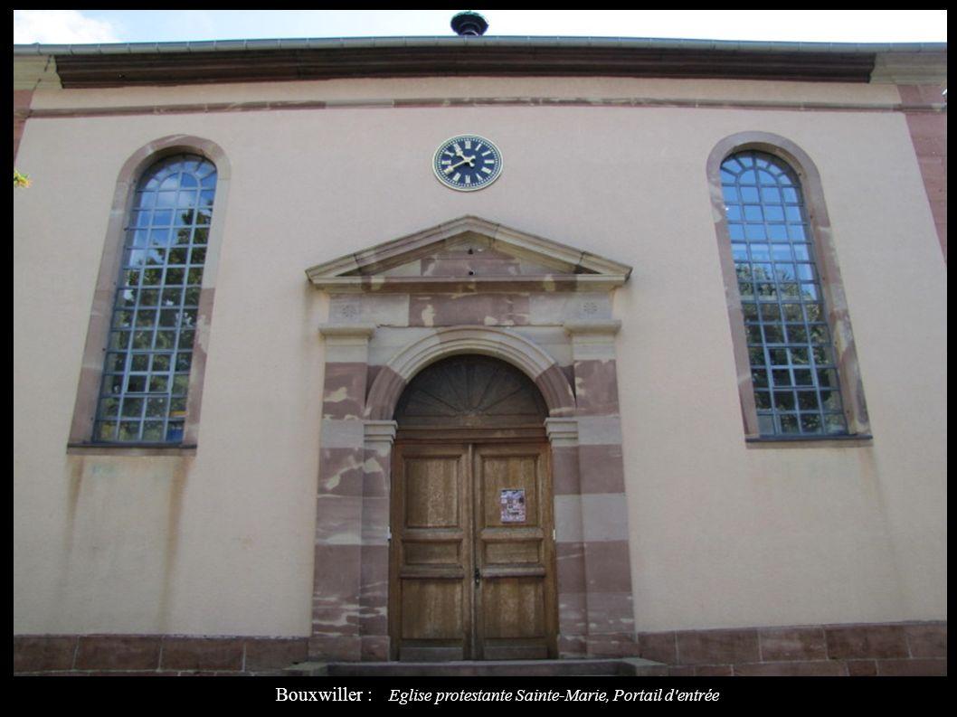 Bouxwiller : Eglise protestante Sainte-Marie, Portail d'entrée