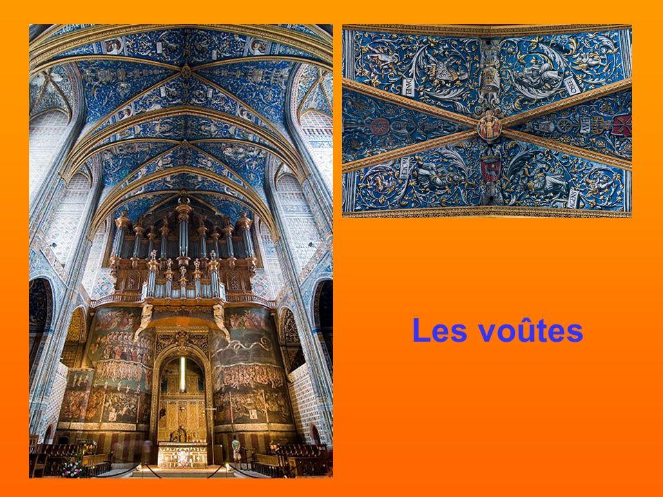 Les voûtes de Sainte-Cécile De 1509 à 1512, le chantier des voûtes de la cathédrale Sainte-Cécile fût confié à des peintres italiens originaires de Mo