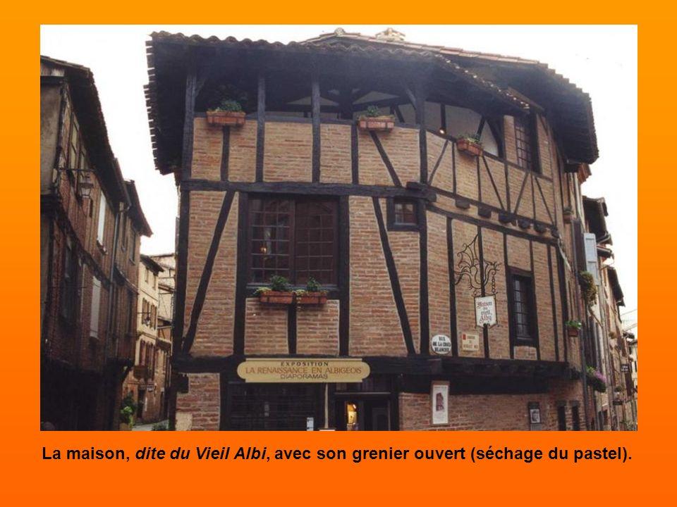 Maisons albigeoises Balade dans les quartiers d'Albi où les maisons témoignent encore de son prestigieux passé médiéval.