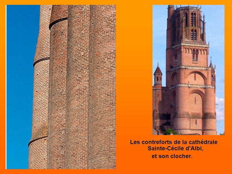 Durée construction: 200 ans, de 1282 à 1480. Longueur:113 m Largeur : 35 m Hauteur : 40 m Clocher : 78 m La plus grande cathédrale peinte dEurope, grâ