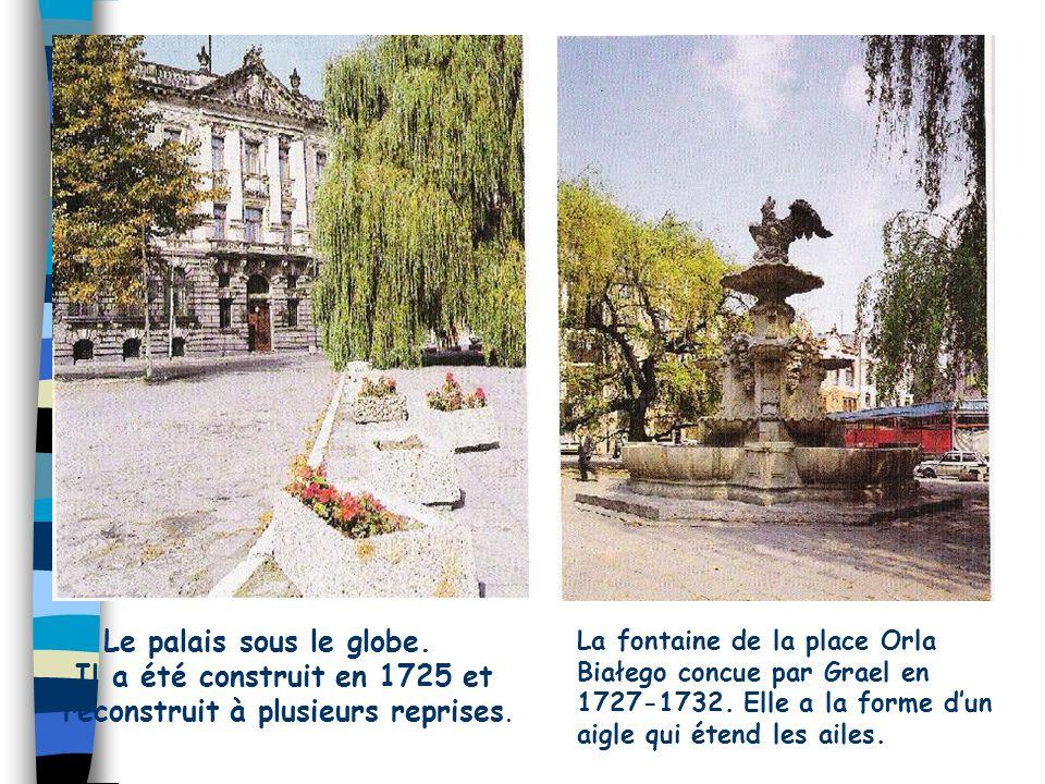 Les quais Chrobry Au centre de la photo, on peut voir le musée et le théâtre.
