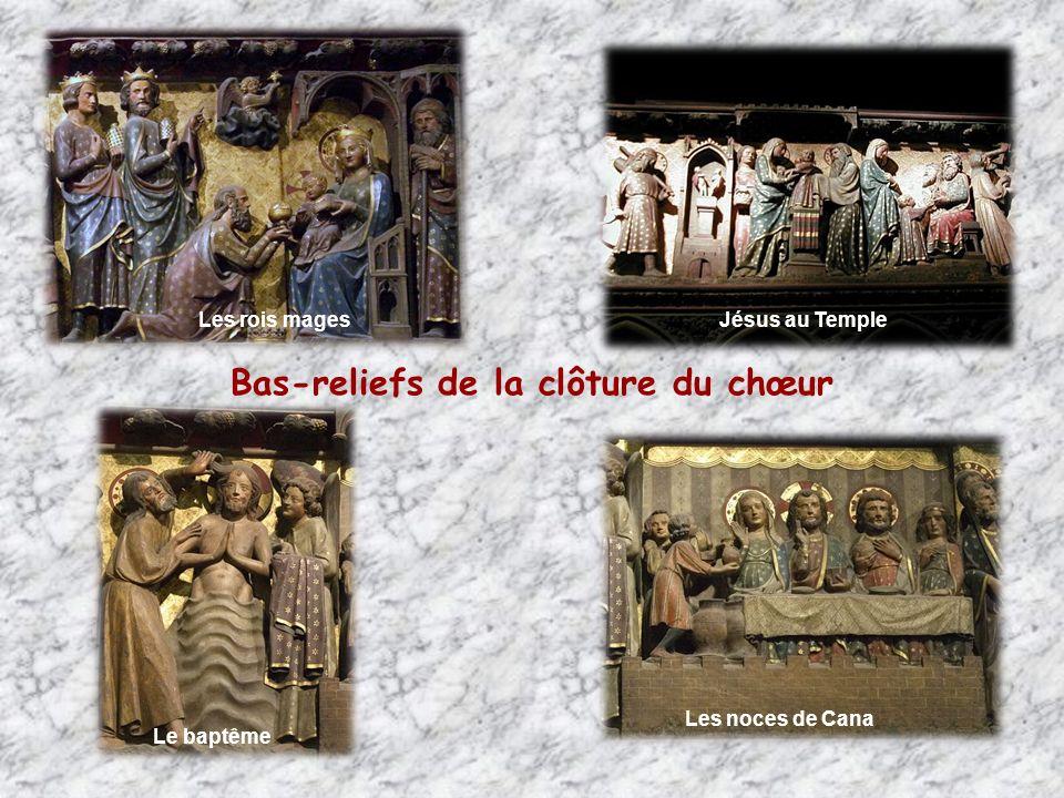 La visitation Les Saints-Innocents, fuite en Egypte Bas-reliefs de la clôture du chœur