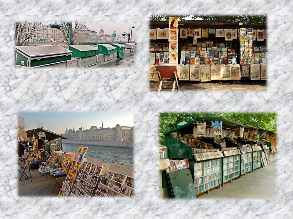 Ils constituent la plus grande librairie du monde à ciel ouvert participent aux charmes des bords de Seine.