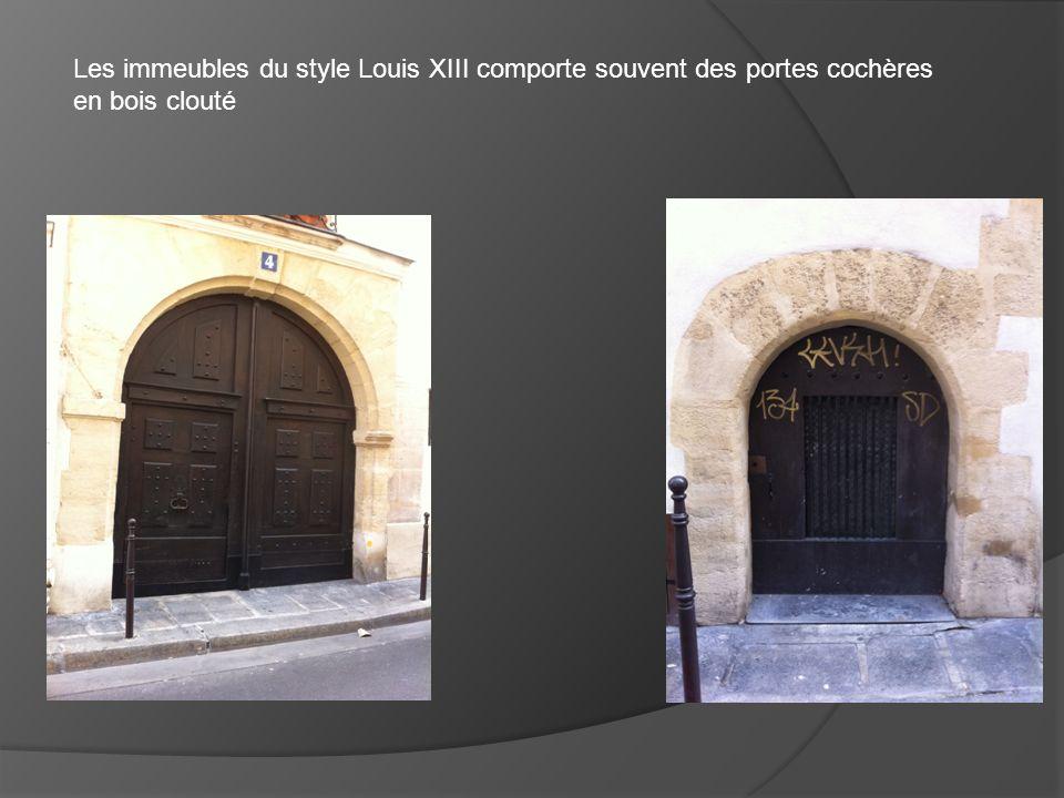 Bâtiment du style Louis XIII et Louis XIV. 21 rue vieille temple Paris 75004