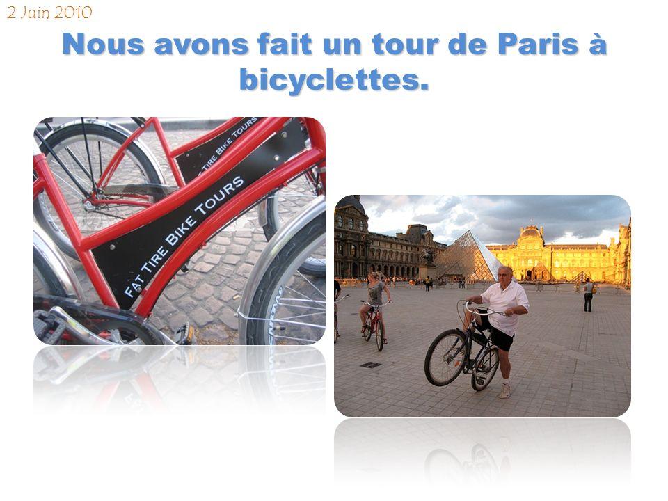 Nous sommes arrivés à Paris et avons recherché notre hôtel Le Mathurin. 1 Juin 2010 13:10