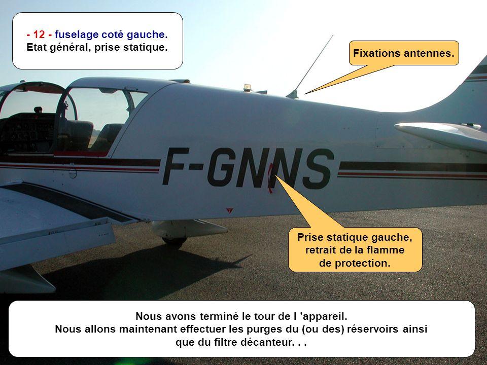 E.S.- Août 2001 M - 14/n - 12 - fuselage coté gauche.