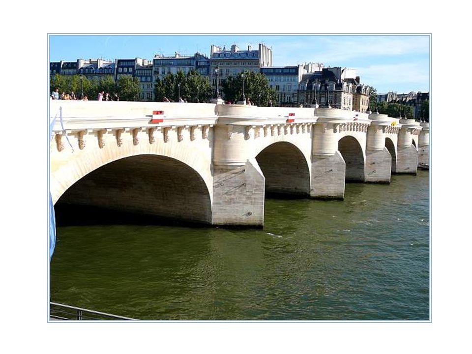 Le pont Neuf, qui vient de fêter ses 400 ans, est le plus ancien de Paris. Et pourtant, il est le plus long à traverser la Seine après les ponts du pé