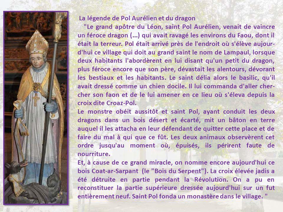 Lampaul-Guimiliau, et son amusant clocher, facilement reconnaissable. Vous vous en seriez douté, nous sommes proches de Guimiliau !