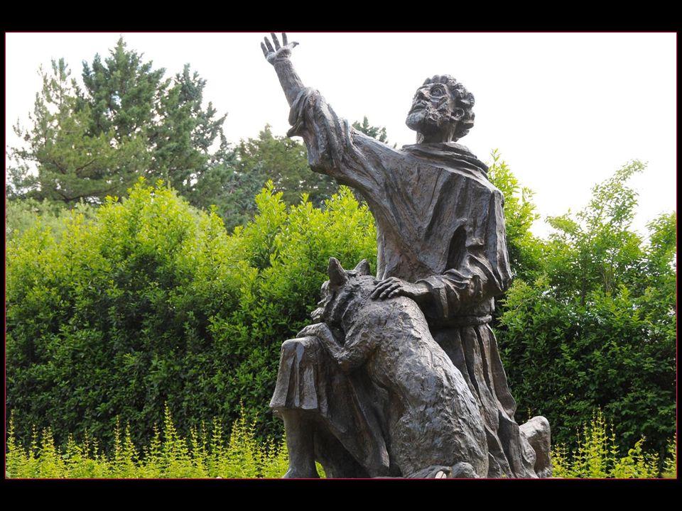 « Frère Loup, je te commande, au nom de Jésus-Christ, de me suivre maintenant sans rien craindre, et nous allons conclure cette paix au nom de Dieu »