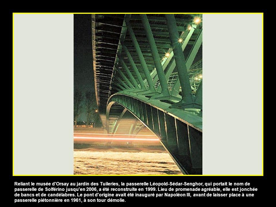 De tous les ponts parisiens, celui de la Concorde est celui qui supporte le plus de trafic, avec ceux du périphérique. En chantier à lépoque de la rév