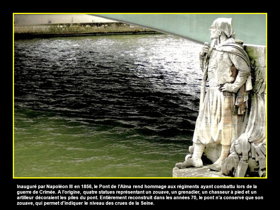 Inscrite aux monuments historiques, la passerelle piétonne Debilly a été construite pour lExposition Universelle de 1900. Imaginé par larchitecte du p