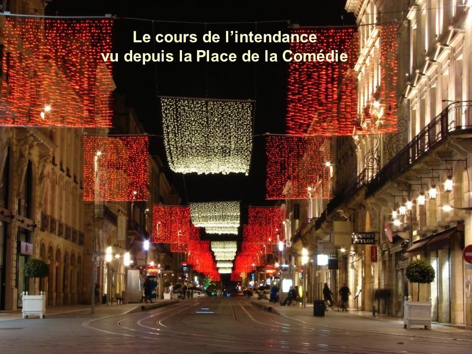 Le Grand Théâtre de Bordeaux, commandé par le maréchal de Richelieu, gouverneur de Guyenne, et édifié par larchitecte Victor Louis, a été inauguré le