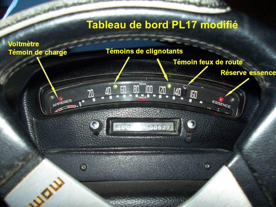 Voltmètre Témoin de charge Témoins de clignotants Témoin feux de route Réserve essence Tableau de bord PL17 modifié
