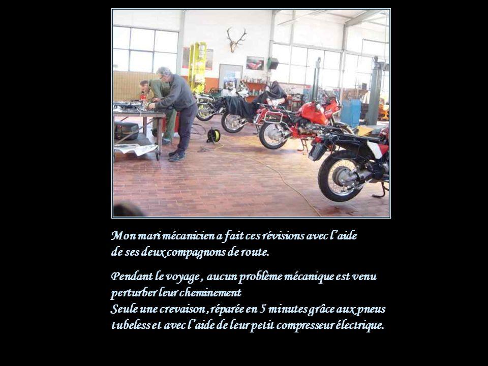 Toutes les motos ont été achetées doccasion et révisées Avant de faire les essais, grandeur nature avec tout le paquetage.
