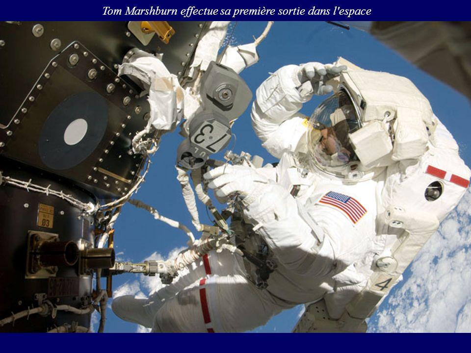 Tom Marshburn effectue sa première sortie dans l'espace
