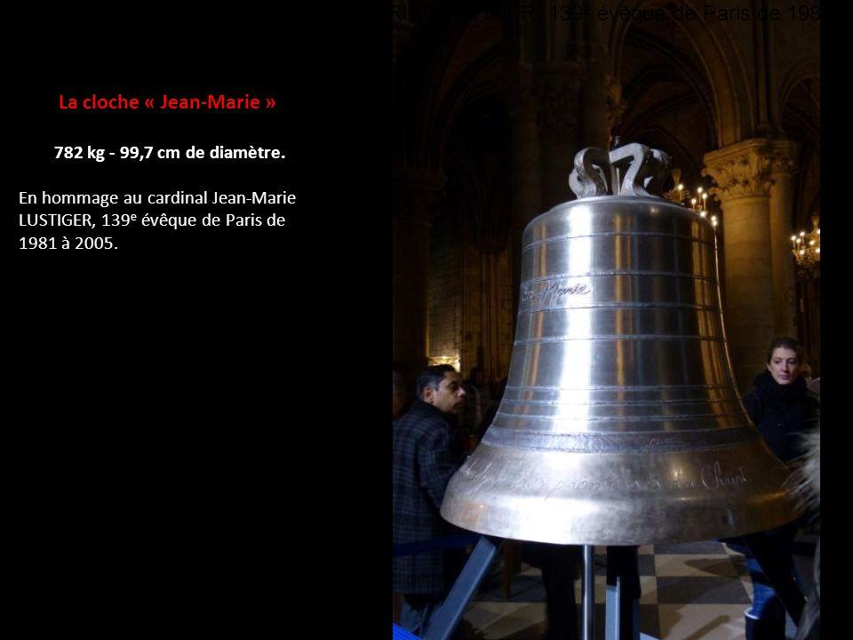 La cloche « Jean-Marie » 782 kg - 99,7 cm de diamètre.