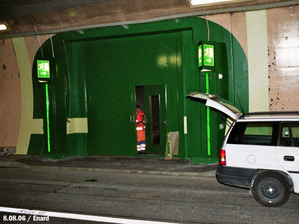 Fraisage des banquettes et mise en place dinstallations de guidage optique sur les bordures de chaussée 8.08.06 / Enard