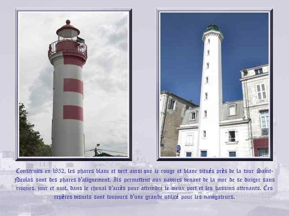 Tour de la lanterne. Haute de 70 mètres, cette tour, appelée aussi tour des « 4 sergents », date du XVe siècle. Surmontée dune flèche gothique octogon