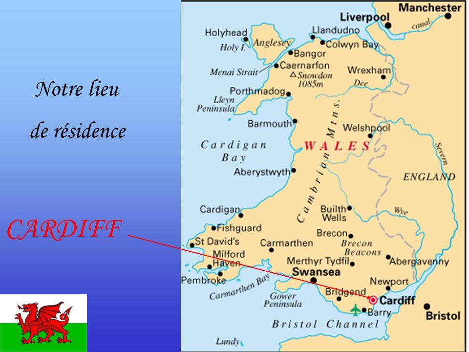 Le programme mardi 19 mars 5h00 Rendez-vous devant le collège 8h30 Départ du ferry de Ouistreham pour Portsmouth 13h30 Arrivée à Portsmouth 15h30 Visite du site mégalithique de STONEHENGE 18h30 Arrivée à Cardiff et répartition dans les familles Dîner dans les familles