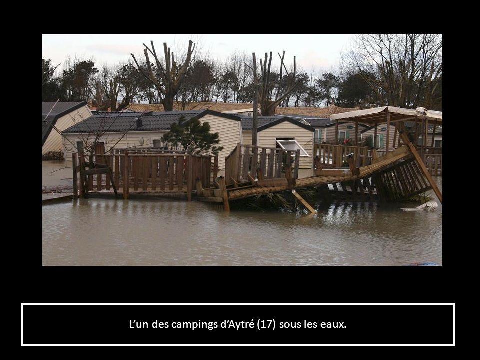 Lun des campings dAytré (17) sous les eaux.