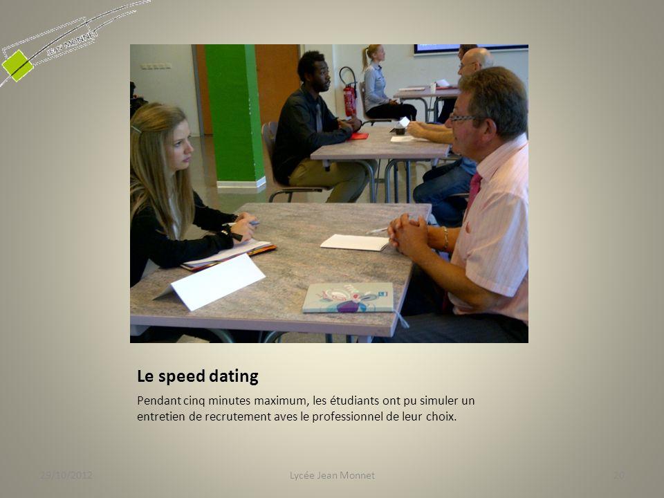 Le speed dating Pendant cinq minutes maximum, les étudiants ont pu simuler un entretien de recrutement aves le professionnel de leur choix.