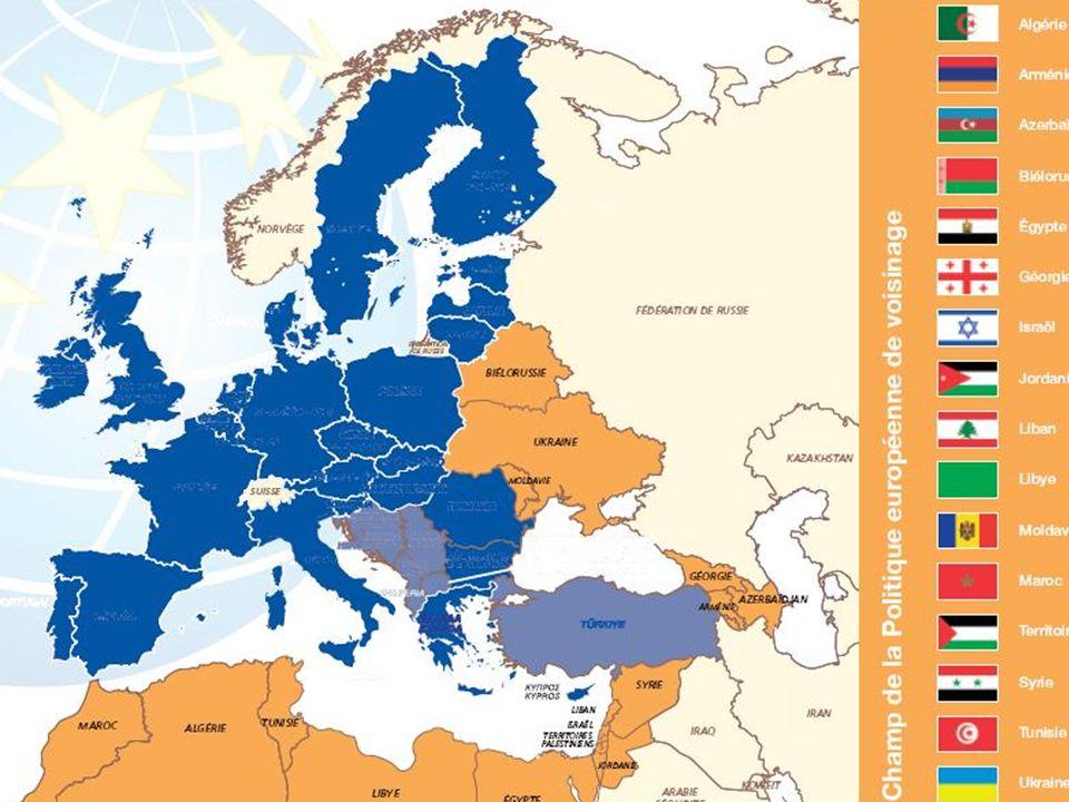 Délégation de lUE en Tunisie Délégation UE 29 3/ Promotion du Dialogue Politique multi-acteurs: -Délégations de lUE (en collaboration avec les autorités) consultent les OSC pertinentes lors des phases didentification et formulation de projets et de programmes; -Dans le cadre de lappui budgétaire général ou sectoriel, les OSC peuvent jouer un rôle de suivi (ex: dialogue pour fixer les indicateurs de performance).