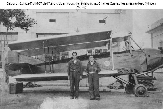 Caudron Luciole F-AMCT de lAéro-club en cours de révision chez Charles Castex, les ailes repliées (Vincent Selva)