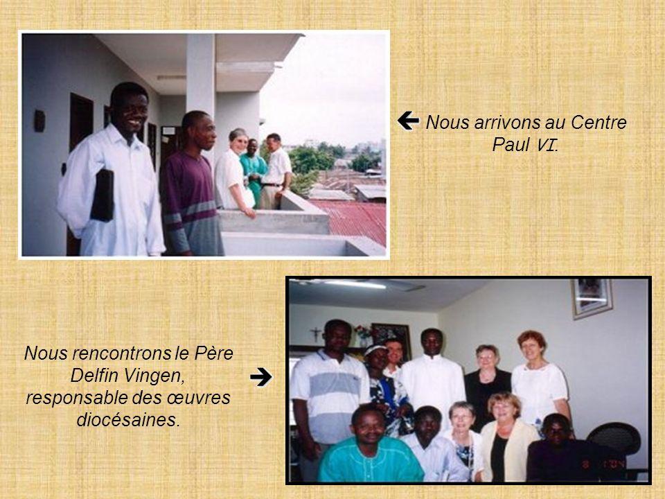 Rencontre avec Mgr Lucien Agboka Lorsque nous sommes allés à Ouidah nous avons fait un petit détour pour rendre une courte visite à Mgr Lucien Agboka.