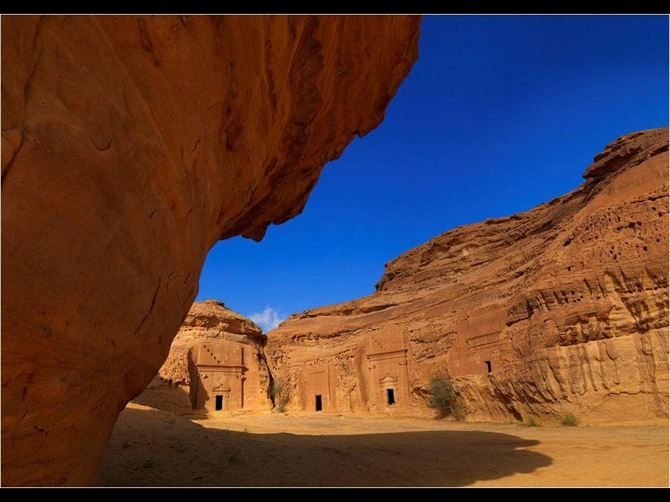 Curieusement, presque tout le monde connaît l existence des vestiges de Petra, mais peu connaissent ce lieu.