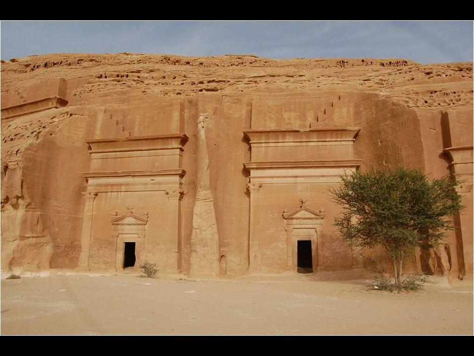 Anciennement habité par les Thamudis et les Nabatéens, Mada in Saleh est le premier site de ce qui est maintenant l Arabie saoudite, inscrit au patrimoine mondial de lhumanité.