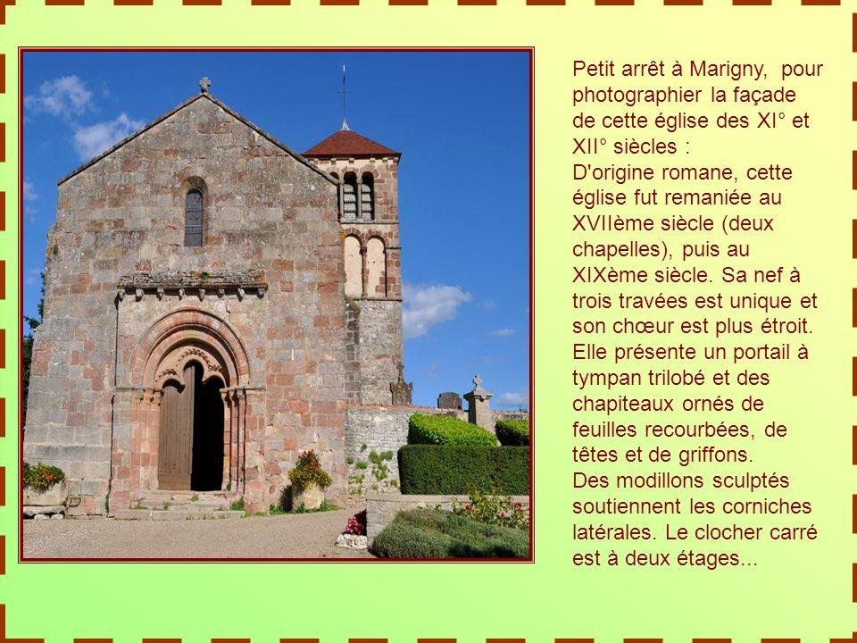 Nous avons entrevu le château de Sourpes, à peine visible derrière son imposant portail.
