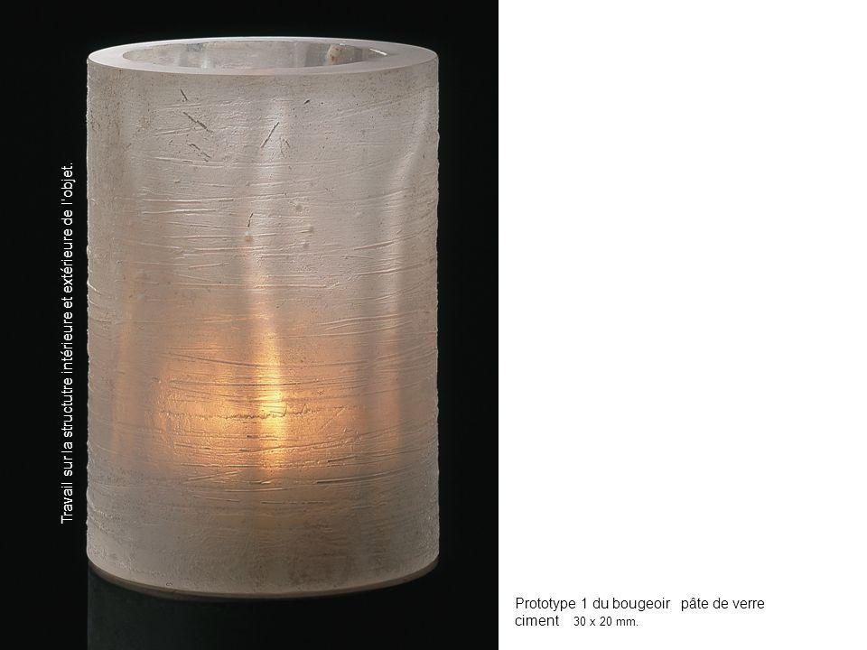 Prototype 1 du bougeoir pâte de verre ciment 30 x 20 mm.